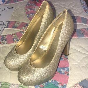 Glitter gold pumps mossimo size 7